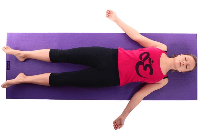 bài tập yoga cho người mất ngủ như bài tập yoga giúp thư giãn toàn thân và dễ ngủ