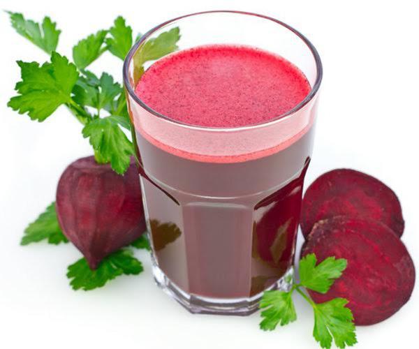 cao huyết áp uống gì? uống nước ép củ dền hạ huyết áp